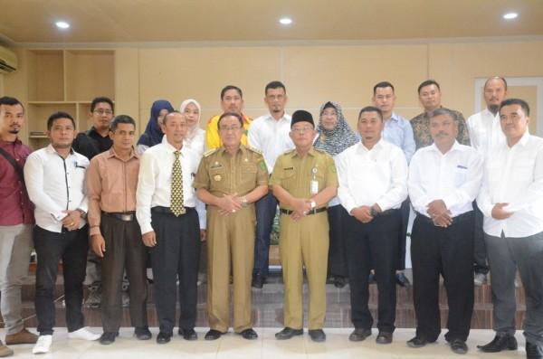 Bupati Inhil Drs HM Wardan MP Meninjau Peserta Seleksi Administrasi Tenaga Pendamping Desa Profesional