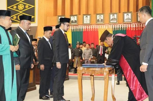Empat Pimpinan Definitif DPRD Kota Pekanbaru disahkan
