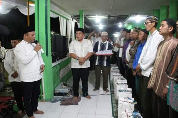 Pemkab Labuhanbatu Serahkan Bantuan Kepada 23 Mesjid dan Mushollah