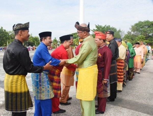 Pjs.Bupati Rudyanto Pimpin Apel hari pertama Pasca lebaran Idul Fitri 1439 H