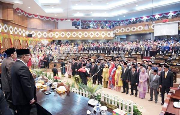 Didominasi Wajah Baru, 65 Anggota DPRD Riau Periode 2019-2024 Resmi Dilantik