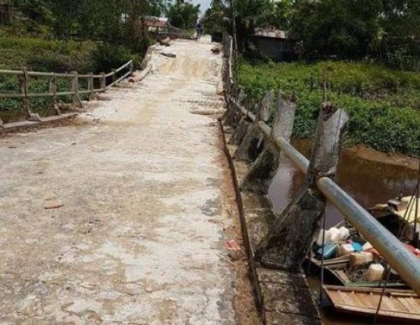 Hasil Koordinasi Dengan Provinsi, PUPR Inhil Segera Perkuatan Konstruksi Jembatan Desa Teluk Kiamban