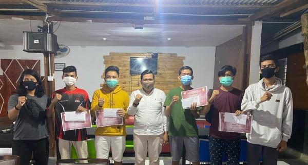 Tepat di Hari Sumpah Pemuda, Pengcab ESI Kuansing Serahkan Hadiah Kepada Pemenang Turnamen PUBG