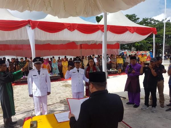 Bupati Bengklis Lantik Kades Sabar Manurung dan Tarmin Di Kecamatan Mandau