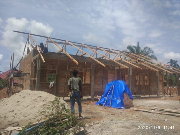 SDN 002 Kunto Darussalam yang Terbakar Mendapat Bantuan Pembangunan Dua RKB dari PT EDI