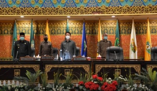 DPRD Riau Sahkan Perda Kesehatan, Ada Sanksi Pidana Bagi Pelanggar pada Rapat Paripurna