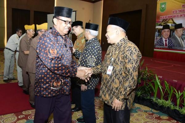Bupati Bengkalis Hadiri Rapat Kerja DHD Angkatan 45 Provinsi Riau