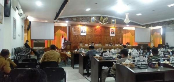 DPRD Kuansing Gelar Sidang Paripurna Dengan Agenda Pandangan Umum Fraksi