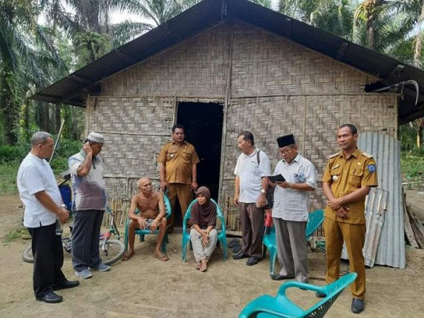 Bersama ketua BAZNAS, Camat Pangkalan Survey Langsung Calon Penerima Bantuan
