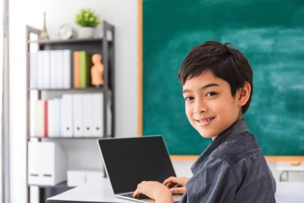 Ini 5 'Ritual' Pagi Anak Sebelum Mereka Sekolah Online di Rumah
