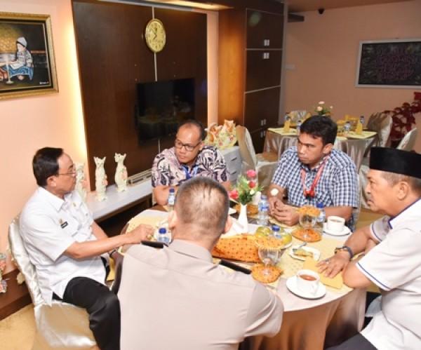Bupati HM.Wardan Menjamu Sarapan Dir Reskrimus Polda Riau