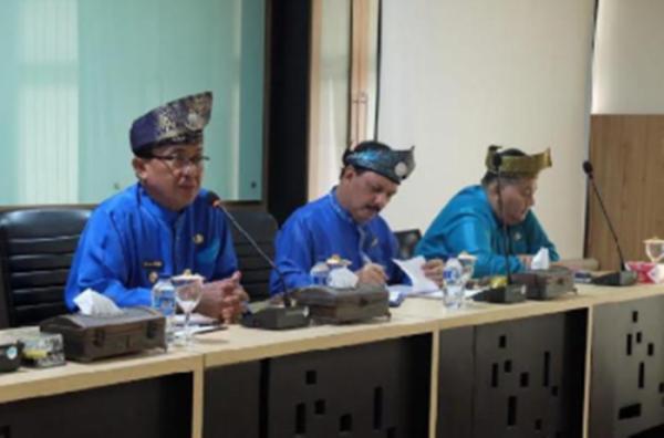 Bupati Perintahkan Jajaran Pemkab Inhil Jadwalkan Ulang Pertemuan Bahas Kelapa