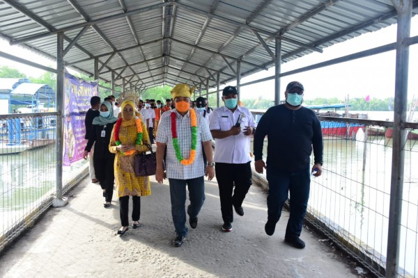 Tiba Di Pulau Rupat, Pj Bupati Syahrial Disambut Dengan Adat Melayu