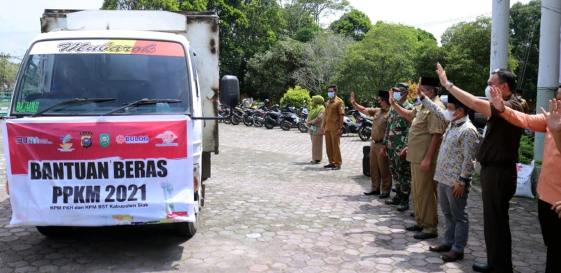 Bupati Alfedri Luncurkan Bantuan Beras PPKM 2021