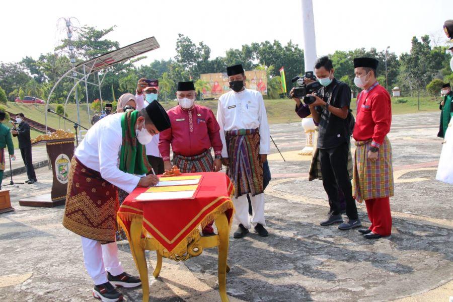 Bupati Pelalawan Pimpin Pelantikan dan Pengambilan Sumpah Jabatan Administrator Dan Jabatan Pengawas