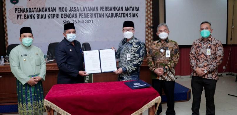 Jalin Kerjasama dengan Bank Riau Kepri, Bupati Alfedri ingin ada Kedai BRK di Kampung
