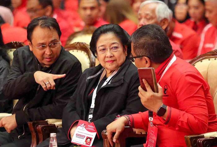 Keberhasilan Ibu Megawati Menjadikan Faktor Mendapat Gelar Profesor Kehormatan