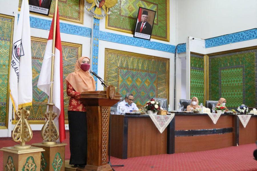Penasehat DWP Kabupaten Pelalawan Hadiri Acara Dharma Wanita