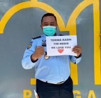 Kalapas Narkotika memberikan semangat kepada pejuang covid-19 di Tanjungpinang