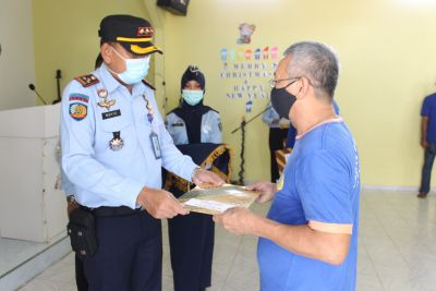 27 Orang Warga Binaan Lapas Tanjung Pinang Mendapatkan Remisi Natal