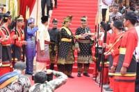 Presiden Jokowi Terima Gelar dari LAM Riau, Bupati Amril Mukminin Ucapkan Tahniah