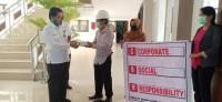Bantuan Alat Medis Dari PT. SUN Di Terima Oleh Dianto Mampanini Sekda Kuansing
