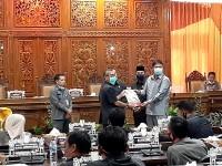 Rapat Paripurna, 5 Rekomendasi Yang Disampaikan DPRD Kuansing  Kepada Pemerintah Daerah