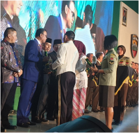 Bupati Suyatno Terima Penghargaan Kodam 1/Bukit Barisan Terkait Penanggulangan Karhutla