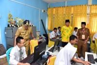 Gubri Syamsuar Tinjau UNBK SMKN di Tembilahan