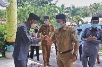Bersama Wabup, Baznas Salurkan Zakat di Kecamatan Siak