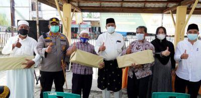 Bupati Alfedri Bersama Kapolres Siak Berikan Bantuan Masker ke Rumah Ibadah di Perawang Barat