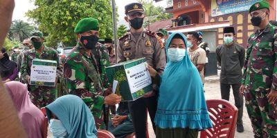 Danrem 031/Wira Bima Pulang Kampung Dan Berbagi Kepada Kaum Dhuafa Dan Anak Yatim Di TPTM Rohil