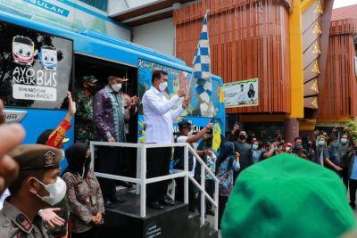Wako Pekanbaru Luncurkan Lima Unit Bus Vaksinasi Covid-19 Keliling